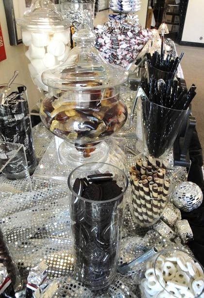 Pleasant Dark And Delightful Black And White Candy Buffet Download Free Architecture Designs Parabritishbridgeorg